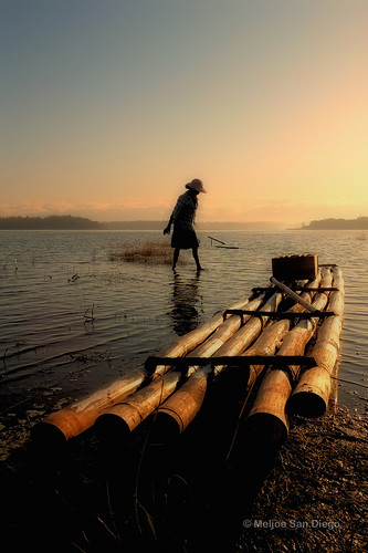 lake lady sunrise philippines bamboo explore raft paoay ilocosnorte meljoesandiego fujix10
