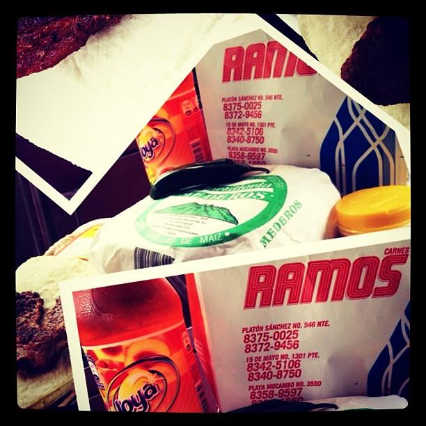 Un Taco Con Carnitas De La Carniceria Ramos