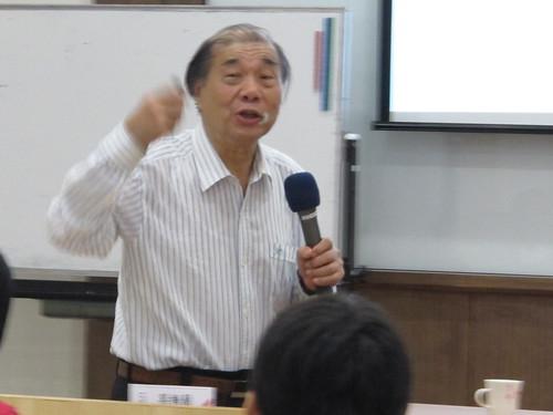 圖03中山醫學大學外科教授兼任董事周明智博士介紹健康的秘訣