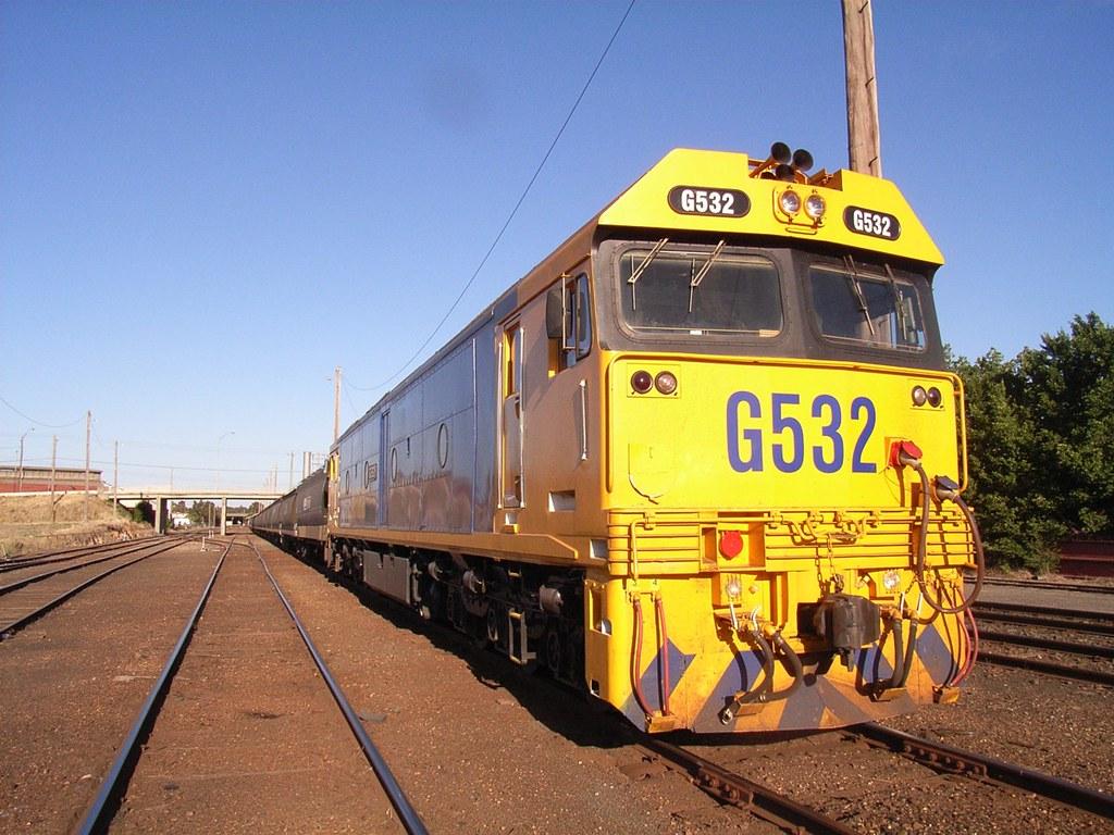 G532 at Bendigo with a load of grain by bukk05