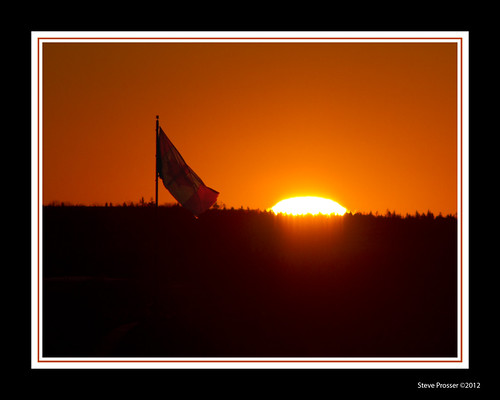 sunrise citadelhill canadaflag icapture canon2xextender canon200mmf28l canon7d manfrotto055tripod manfrotto804rc2head