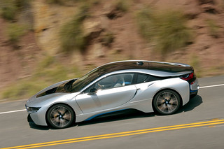 BMW-2014-i8-on-the-road-08