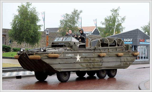 GMC - DUKW 33 / 1944