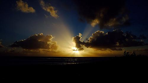 ocean morning sun sunlight beach sunrise dawn daylight fuji florida melbourne atlantic boardwalk fujifilm fl rays melbournebeach daybreak brevard crepuscular xf xe2 xmount xf1855