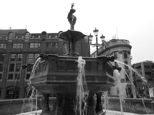 Town Hall Fountain, Manchester | by Gene Hunt