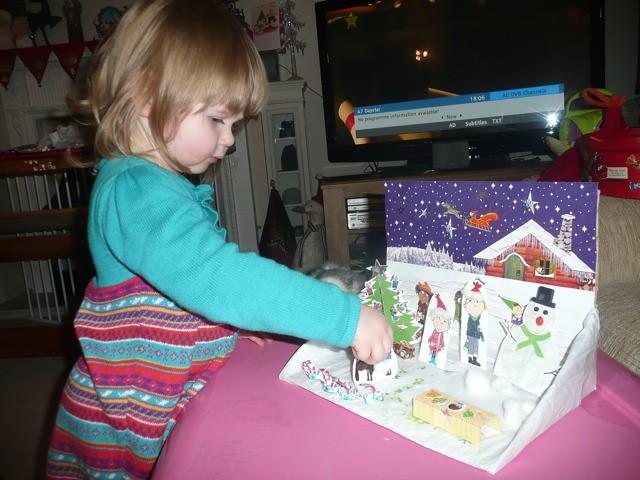 Christmas Shoebox Diorama.Charlie And Lola Crafts Christmas Shoebox Scene A Great