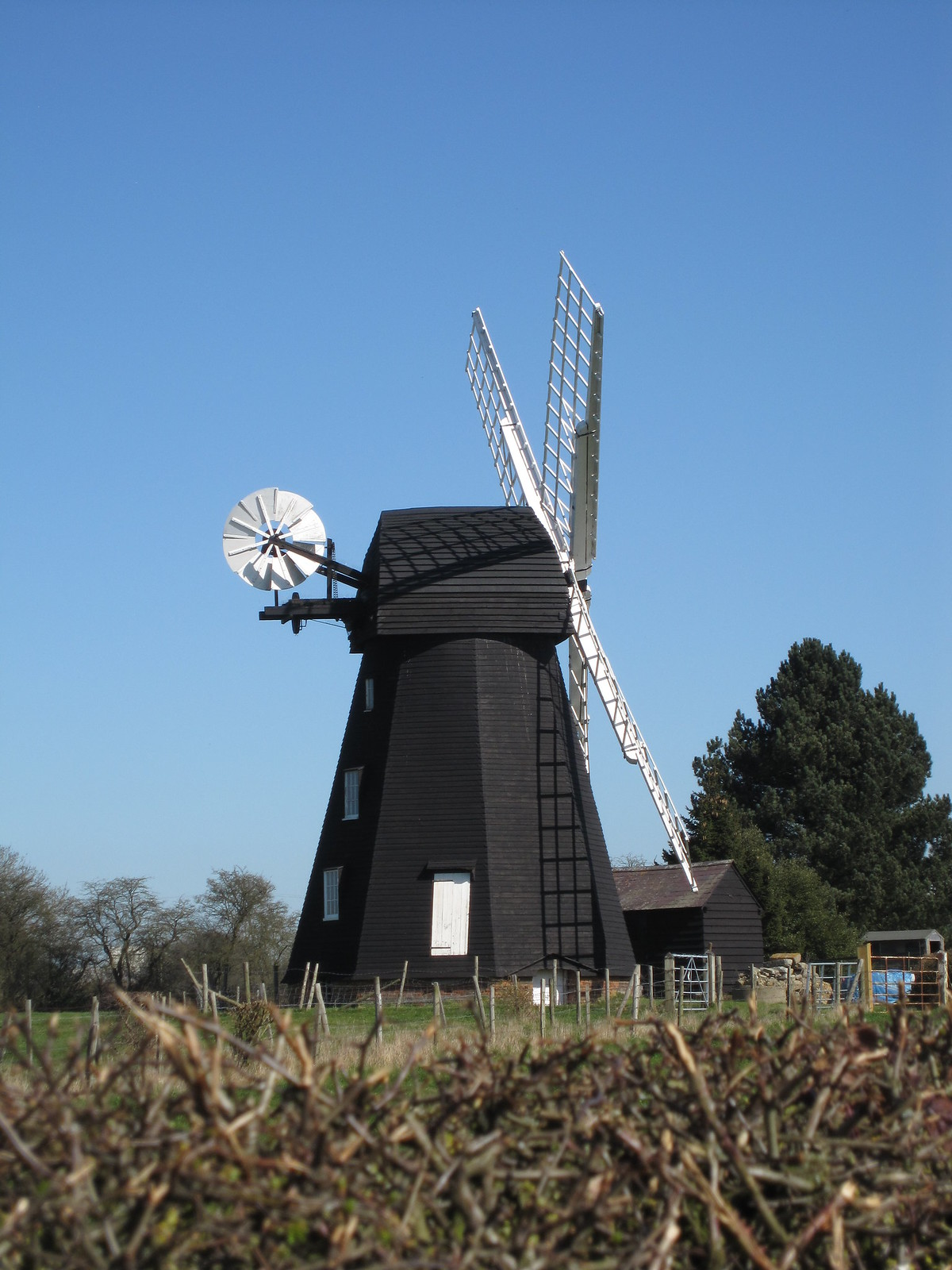 """Lacey Green windmill www.laceygreenwindmill.org.uk/"""" rel=""""nofollow www.laceygreenwindmill.org.uk/ Time Out Country Walks Book 1, Walk 45. Princes Risborough to Great Missenden."""