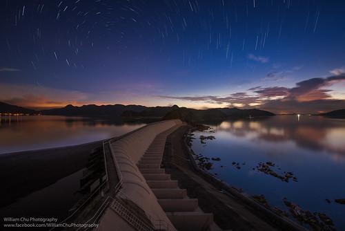 longexposure sunrise stars landscape hongkong hiking dam startrails taimeituk plovercovereservoir 大尾篤 船灣淡水湖 溢水霸