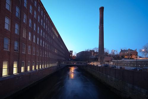 silhouette nh smokestack mills dover drocpsu cochecomill canonrebelt1i doveratdusk