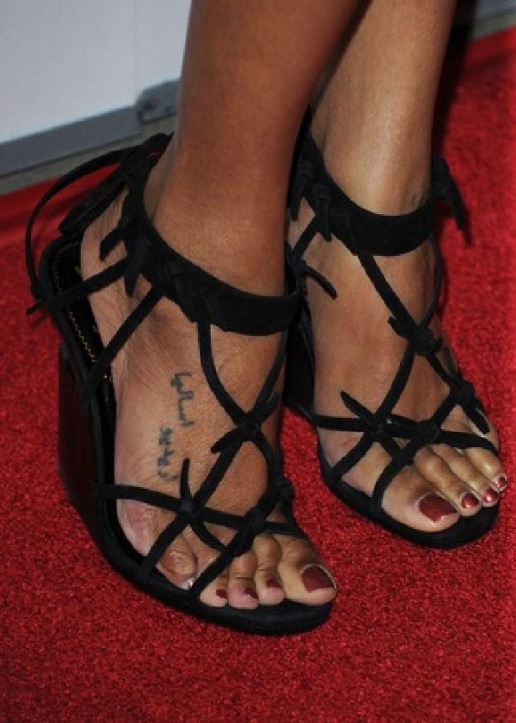 Feet zoe saldana Zoe Saldana