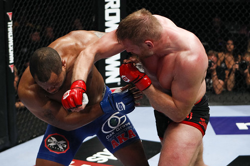 Josh Barnett vs Daniel Cormier | Photo by: Esther Lin ...