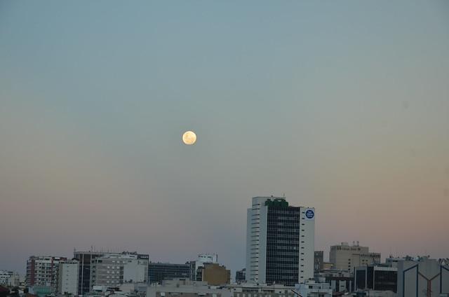 Lua Cheia em Ipanema, Rio de Janeiro Brasil.