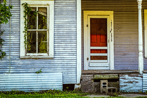 abandoned derelict door home house old porch red venetianblind window wood tomball texas unitedstates us decay oncewashome