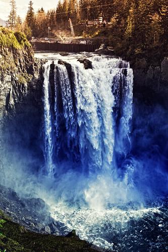 seattle waterfall washington snoqualmie explored