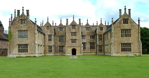 house somerset tudor mansion barringtoncourt castlespalacesmanorhousesstatelyhomescottages
