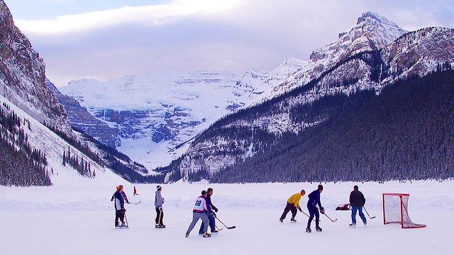 Pick up Hockey Lake Louise, AB