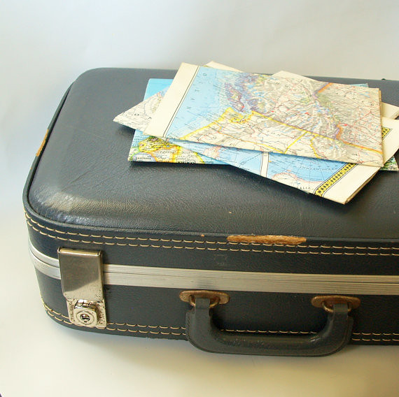 12 tips to protect your luggage while traveling