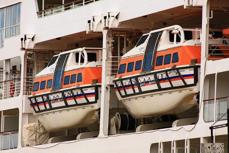 Lifeboat - Paquebot Europa - Bordeaux - 11 juin 2012