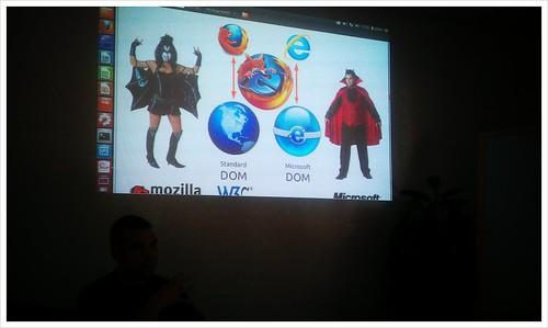 """Presentació """"creativa"""" per explicar l'evolució de #Javascript i el #DOM ;) @ubuntaires Festa #Ubuntu"""
