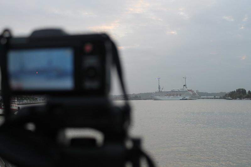 Filmer! - Accostage du paquebot Crystal Symphony - Port de Bordeaux - 18 mai 2012
