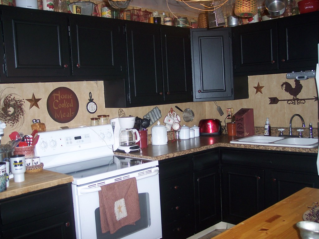Country Kitchen Black Cabinets To See Our Decora Flickr