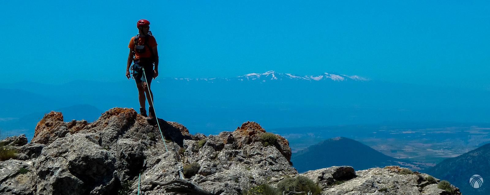 Al fondo sierra Nevada siempre presente