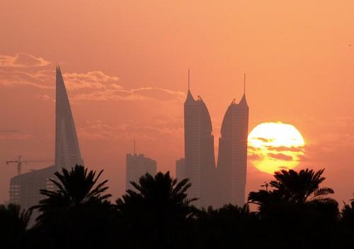 city sun set skyline buildings bahrain manama fotocompetition fotocompetitionbronze