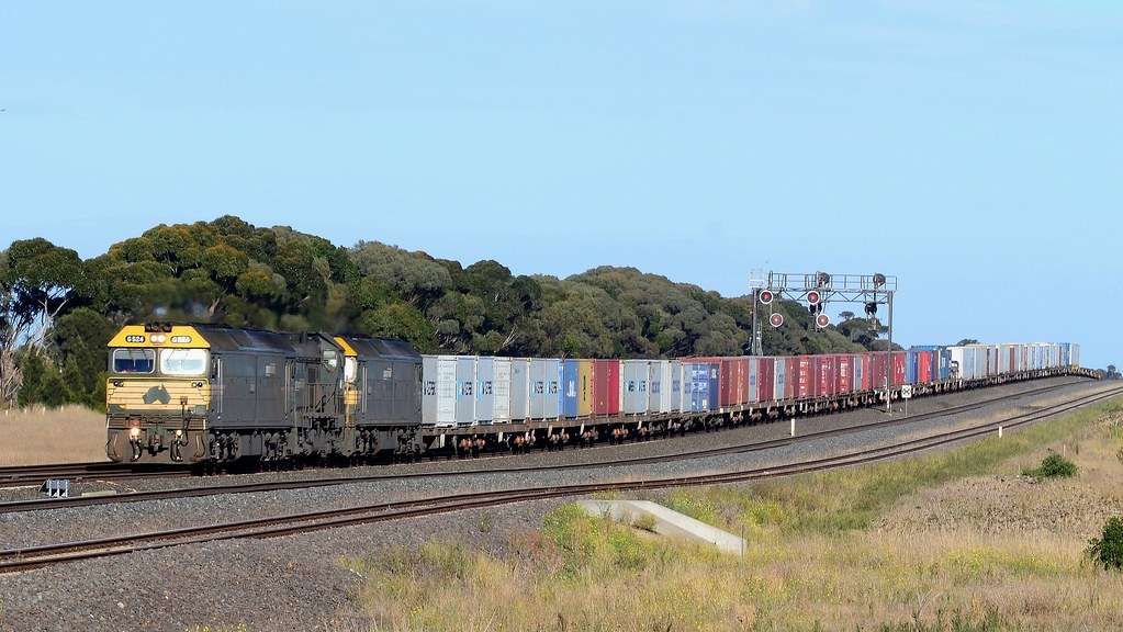 Pacific National - 9102 by Shawn Stutsel