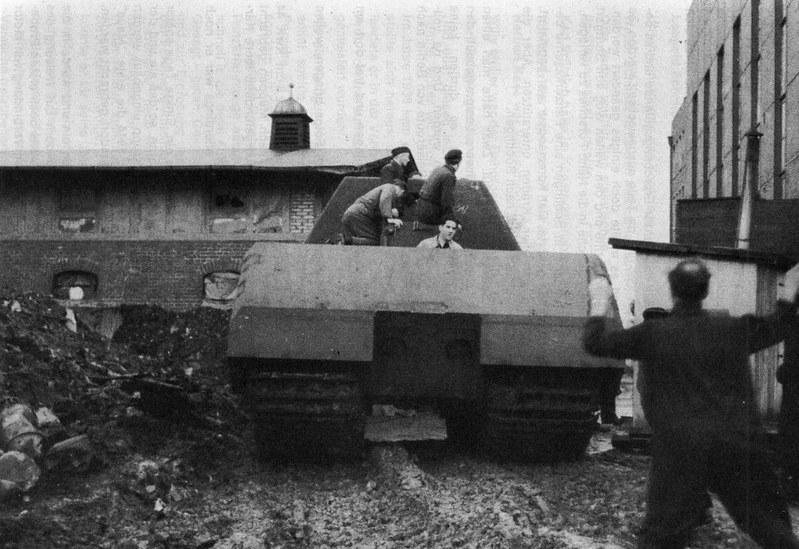 "heavy tank Panzerkampfwagen VIII ""Maus"""