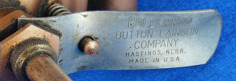RD9074 Vintage GOLDEN ROD OIL CAN 1.5 Pint DUTTON LAINSON HASTINGS NEBRASKA DSC05763
