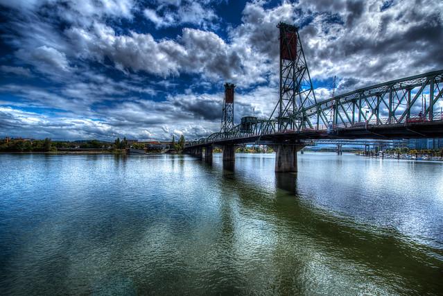 Hawthorne Bridge - Portland - Oregon
