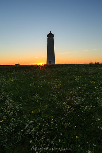 sky lighthouse grass sunrise canon landscape iceland ngc arctic garður canonef1635mmf28liiusm photoguide canoneos5dmarkiii kjartanguðmundur