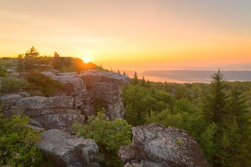 sunrise landscape westvirginia eastcoast appalachianmountains appalachians dollysods monongahelanationalforest bearrocks dollysodswilderness bearrockspreserve