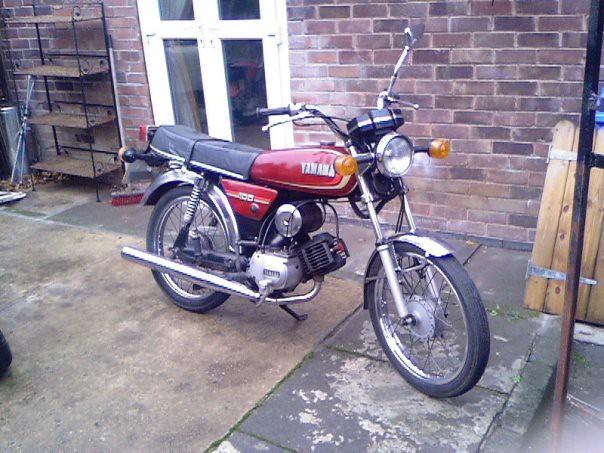 yamaha YB 100 cc motorcycle