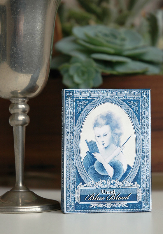 uusi blueblood playing card box