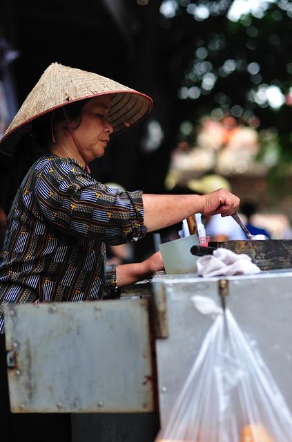 street food vendor, Hanoi