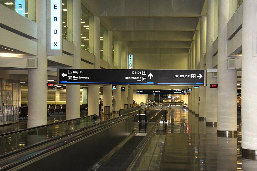 miami international airport - north terminal (concourse d