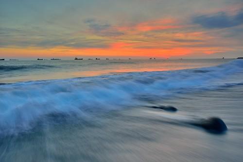 sunset sea clouds landscape nikon waves taiwan formosa 台灣 海 日落 旗津 雲彩 高雄市 戶外 貝殼博物館 afs1635mmf4 d800e