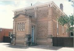 cowan_street_23_court_house
