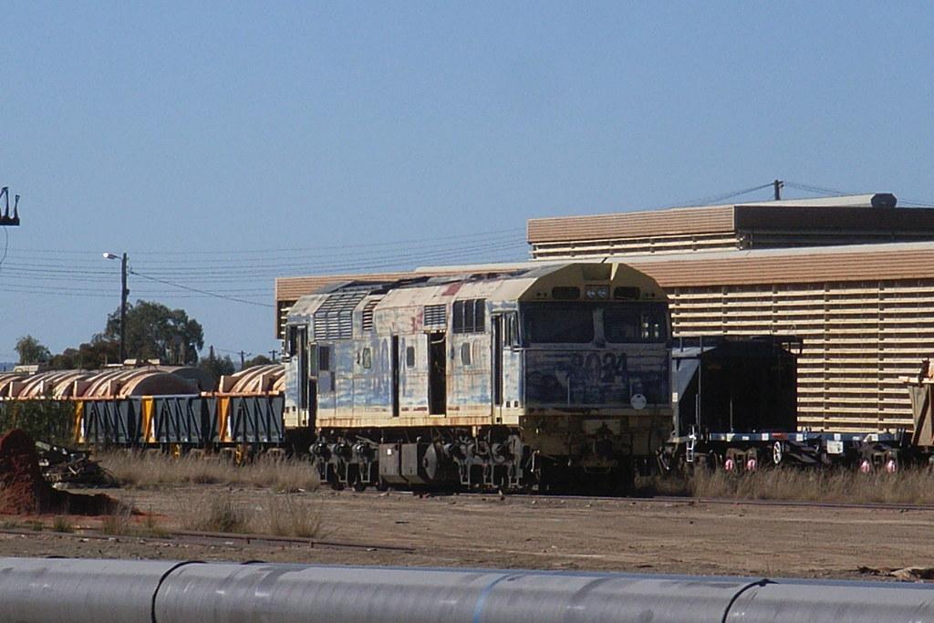 8024 stored at Broken Hill yard by bukk05