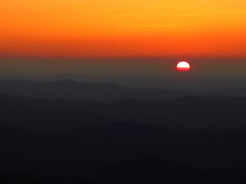 sun sunrise landscape northcarolina explore blueridgeparkway westernnorthcarolina southernappalachians thelumpoverlook canonpowershotsx40hs