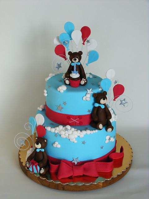 Bears and balloons cake