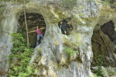 Faith Wright and Lacey Crabtree, Bigalo Jingoist Hole, Fentress County, Tennessee 1