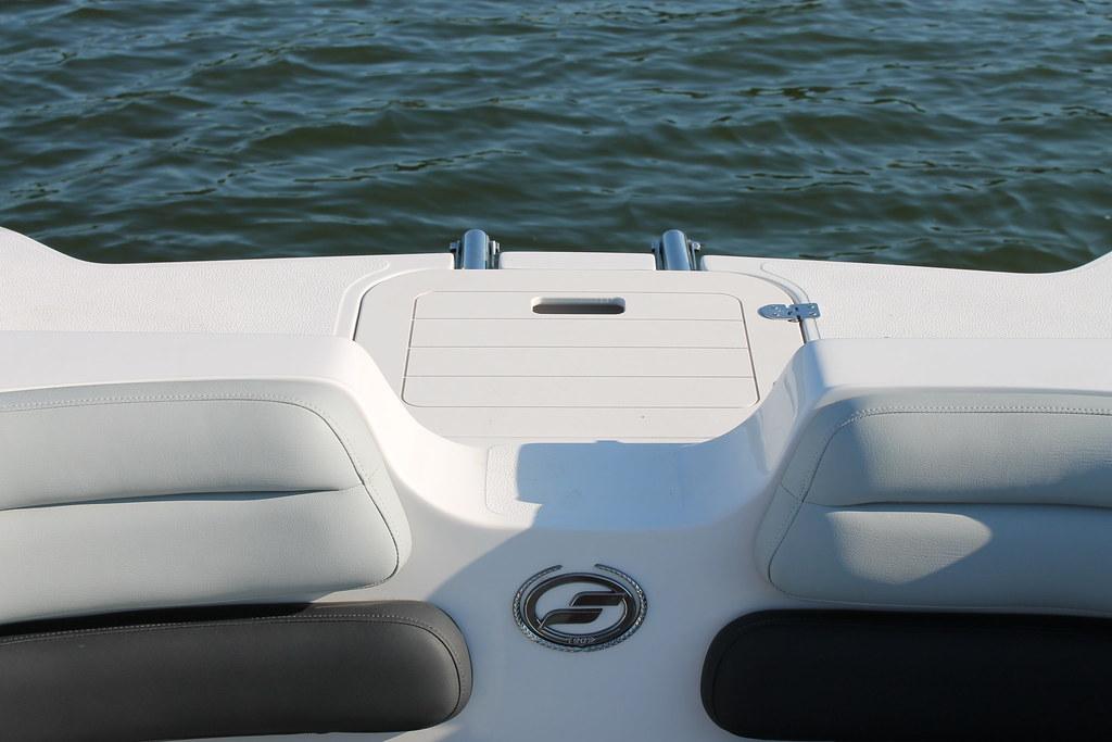 Starcraft SCX Deck Boat Bow Boarding Ladder   Starcraft SCX