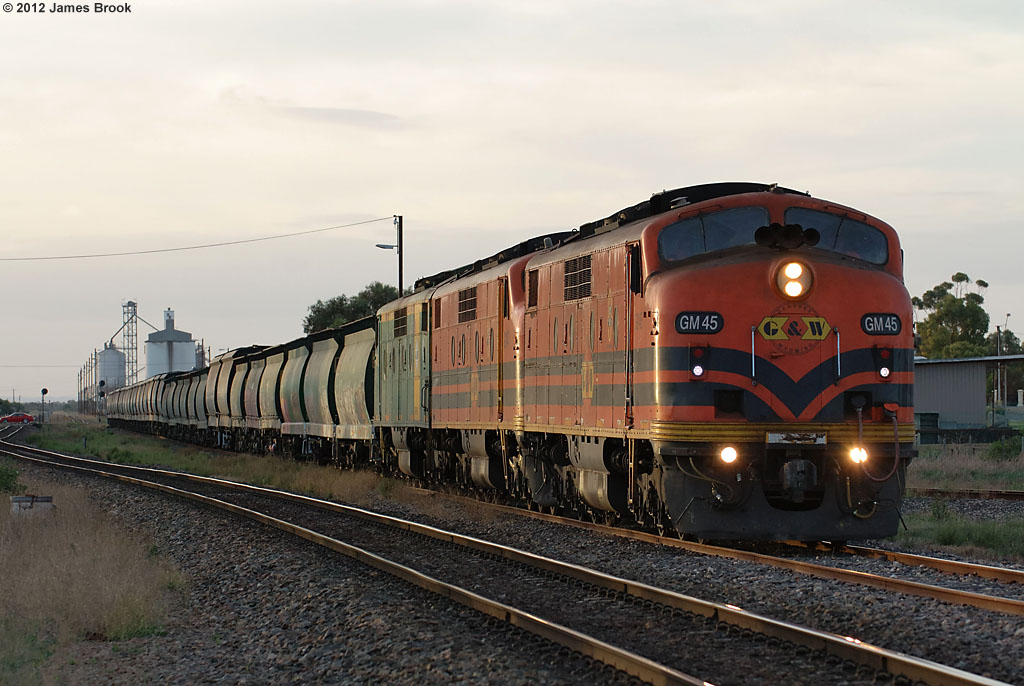 GM45, GM47 and GM46 depart Tailem Bend by James Brook
