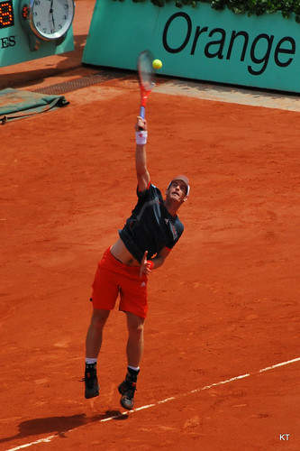 Andy Murray serve - after medical treatment