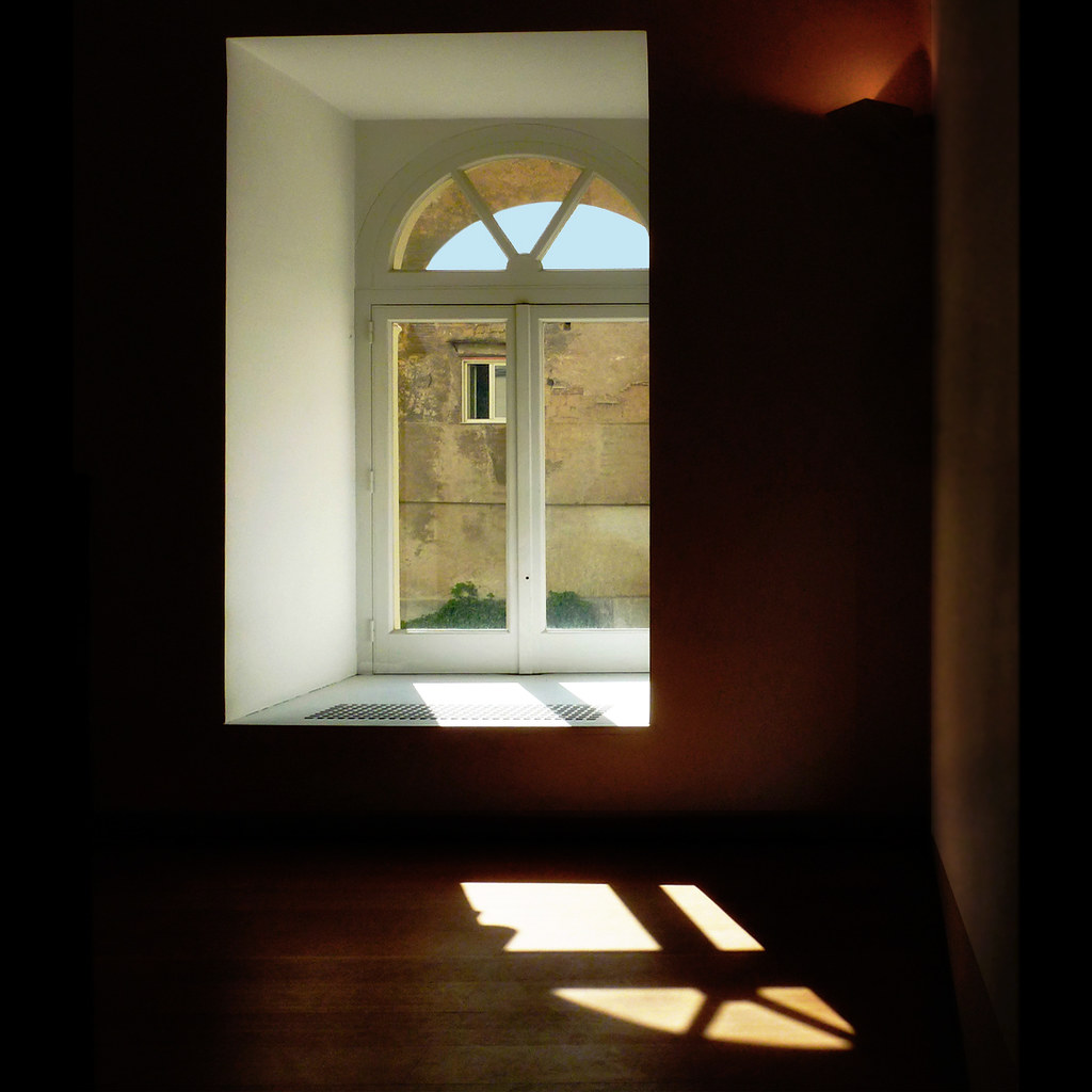 Window in window