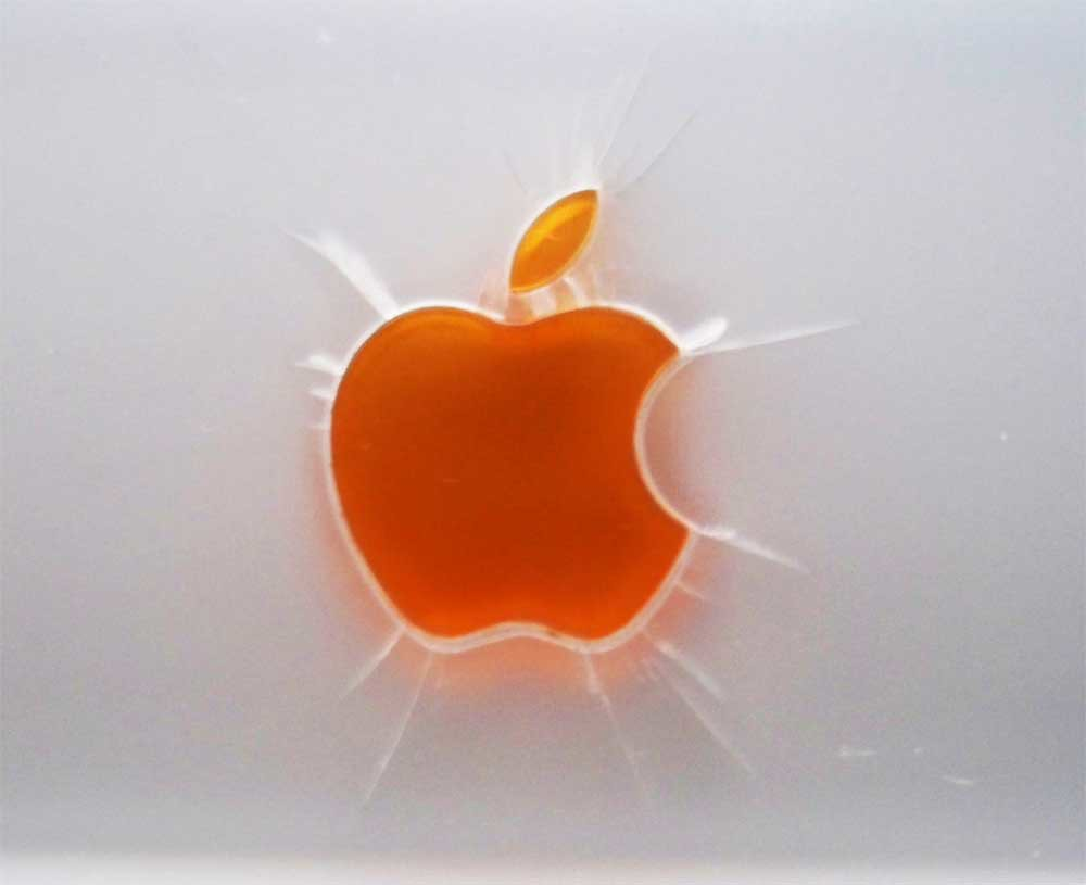 iBook Clamshell small apple logo tension cracks | A small co
