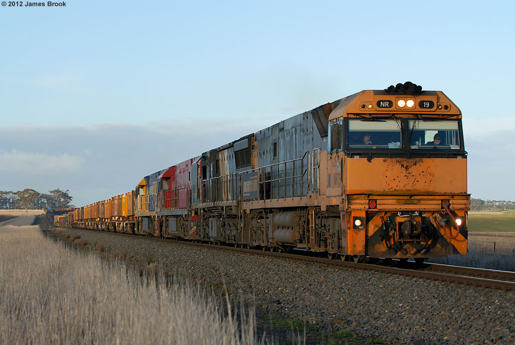 NR19, XRB561, NR109 and NR11 between Wingeel and Cressy with 6WP2 by James Brook