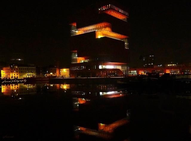MAS museum at night - Antwerp (5 pictures handheld)